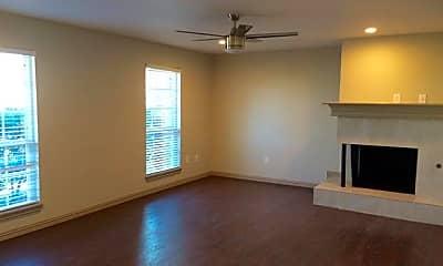 Living Room, 1416 Elms Rd, 1