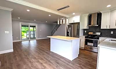 Living Room, 65 Pennant Ln, 2