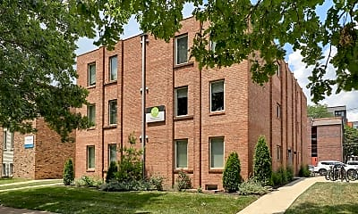 Building, 406 E Stoughton St, 0