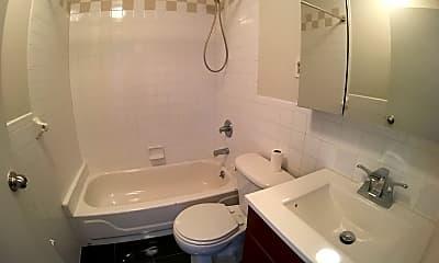 Bathroom, 14-5 31st Ave, 2