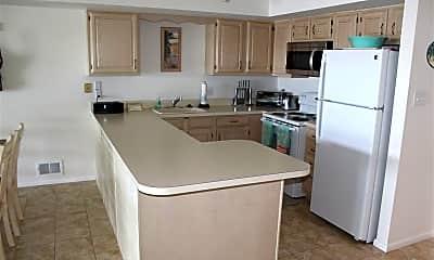 Kitchen, 1101 E Shore Dr, 2