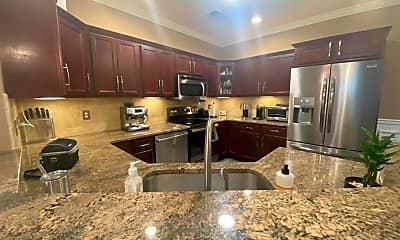 Kitchen, 95 South Ridge Lane, 0