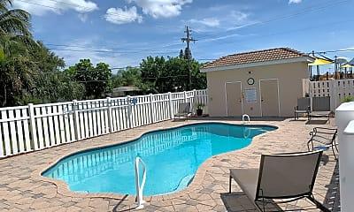 Pool, 513 Siena Ct, 2