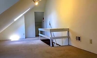 Bedroom, 102 E Patterson Ave, 2