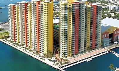 Building, 2650 Lake Shore Dr, 2