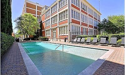 Pool, 3221 Commerce St, 1