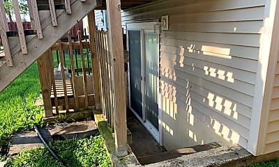 Patio / Deck, 407 5th St E, 2