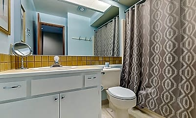 Bathroom, 14915 NE Sacramento St, 2