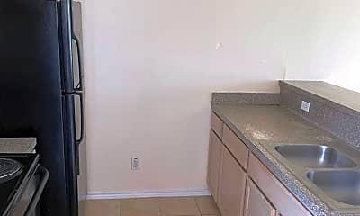 Kitchen, 651 W Stenger St, 1
