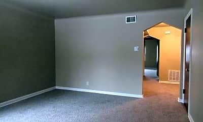 Living Room, 5014 Lillian Dr, 1