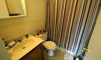 Bathroom, Lisa Ridge Apartments, 2