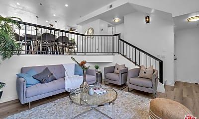 Living Room, 1349 E Grand Ave E, 1