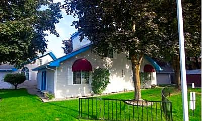 Building, 7 E Pineridge Ct, 2