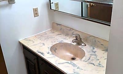 Bathroom, 3400 Balboa Ln, 2