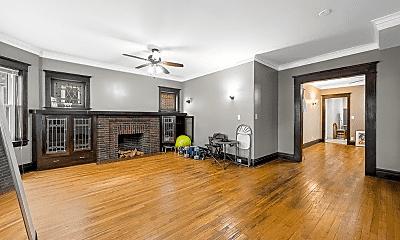 Living Room, 7318 S Crandon Ave, 1