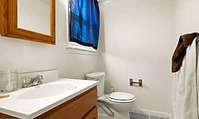 Bathroom, 10 Fairmount Dr, 2