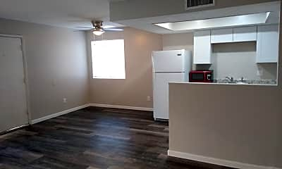Kitchen, 4743 E Belleview St, 1