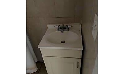 Bathroom, 21 John St, 2