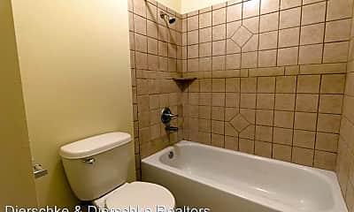 Bathroom, 1901 Pulliam St, 2