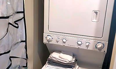 Bathroom, 2516 Q St NW Q207, 2