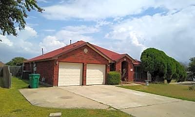 Building, 619 Arapaho Dr, 1