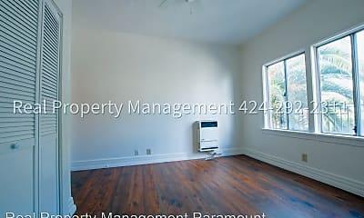 Bedroom, 910 W 41st St, 1