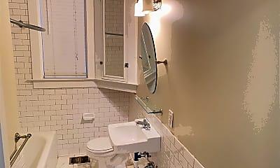 Bathroom, 1118 Poplar Ave, 2
