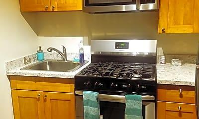 Kitchen, 475 Fulton St, 1