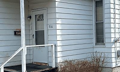 Building, 715 S Sumner Ave, 2