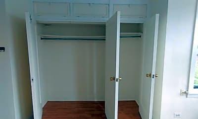 Bedroom, 2541 W Sunnyside Ave, 1