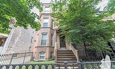 Building, 851 W Wellington Ave, 1