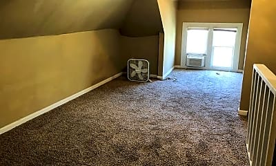 Living Room, 3509 Howard St, 2
