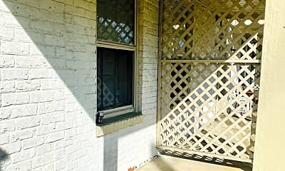 Patio / Deck, 3318 Ellwood Ave, 1