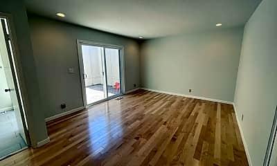 Living Room, 1360 Sage Hen Way, 2