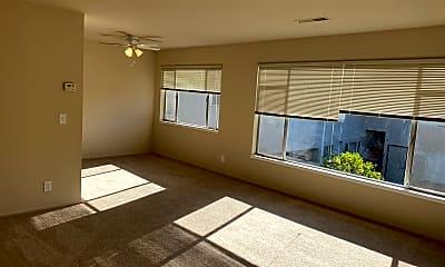 Living Room, 786 Elm St, 0