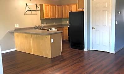Living Room, 515 Michael Grove Ave, 1