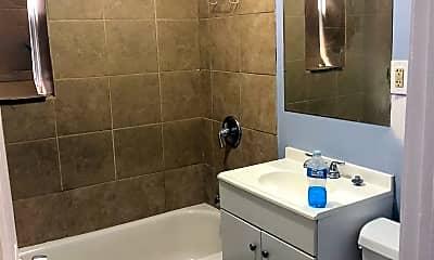 Bathroom, 814 N Lawndale Ave, 2