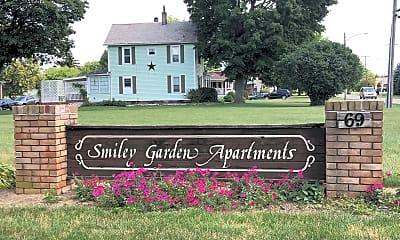 Smiley Garden Apartments, 1