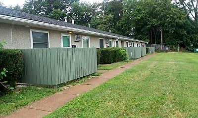 Riverview Apartments, 2