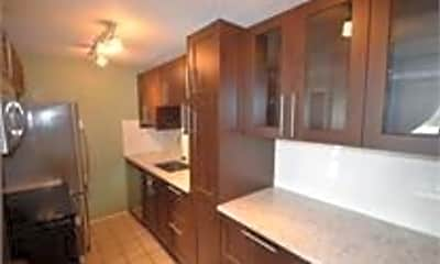 Kitchen, 799 Dahlia St, 1