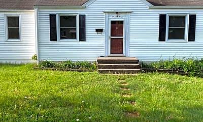 Building, 303 Troy Ave NE, 2