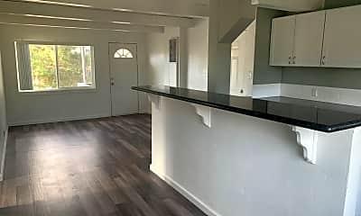 Living Room, 630 Denslowe Dr, 1