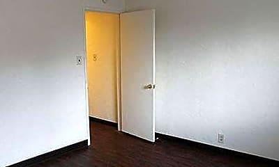 Bedroom, 121 Graham Ave, 0