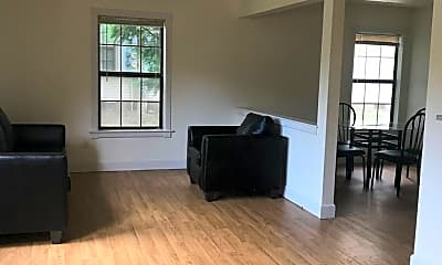 Living Room, 2302 W John St, 1