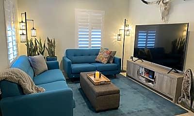 Living Room, 1428 E Portland St, 1