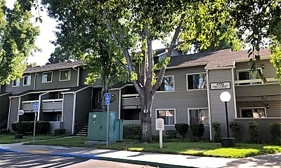 Briarwood Apartment, 0