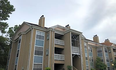 Woodlake Apartments, 0