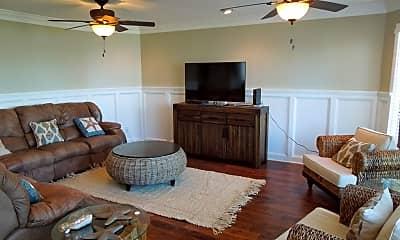 Living Room, 148 Midway Cir, 1