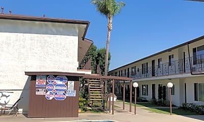 Studebaker Manor, 0