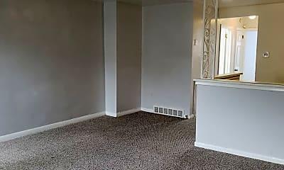 Living Room, 1344 Pennwood Rd, 1